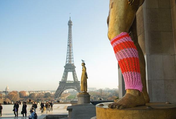 Knitta via the red thread