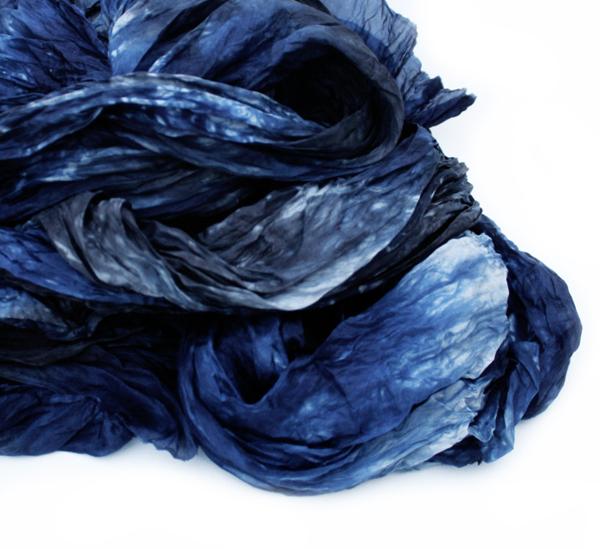 VALEZHKI scarf 4 via the red thread