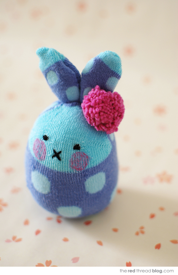 sock bunny tutorial via the red thread